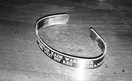 honoring a fallen soldier 20 photos 2 Honoring a fallen soldier (21 Photos)