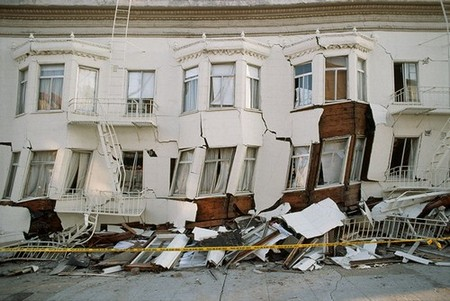 Damage from 1989 earthquake in California