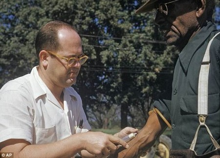 In 1932 public health researchers enrolled almost 400 black sharecroppers with syphilis in a medical study in Tuskegee, Alabama. For more than 40 years the researchers administered invasive tests while withholding treatment so they could track the effects of the disease