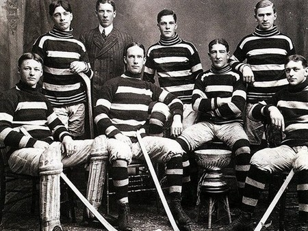 stanley cup 11 photos 2 Its crazy how many times the Stanley Cup has been lost or stolen (11 Photos)