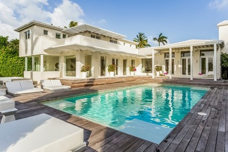 Shakira Is Selling Her Miami Beach Estate With The Help Of Her Real Estate Agent Brother
