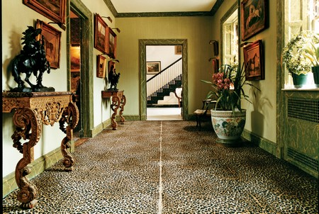How C.Z. Guest Turned a Simple Hallway into a Uniquely Fabulous Space