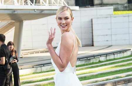 Karlie Kloss Shows Off Enormous Engagement Ring From Fiancé Joshua Kushner