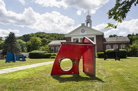 Tour Washington Depot, Connecticut – Now a Sculpture Gallery
