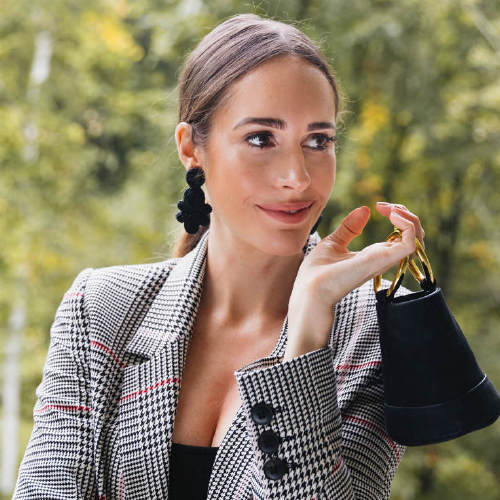 5 Ways To Revamp Your Wardrobe With Statement Accessories, According To Louise Roe
