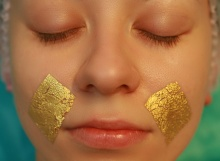 The correspondent of SE checked on itself the healing properties of facial massage and rubbing of golden pollen