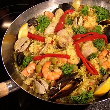 To make a man feel like a real macho, prepare him the most popular Spanish dish