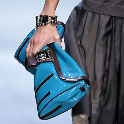 In the new season, huge bags will shrink in size and take on unusual shapes
