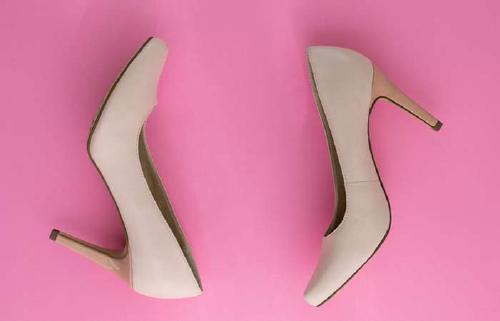 6. Heels Which Color