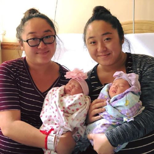 """These Twin Sisters Say It Was a """"Miracle"""" They Gave Birth to Their Rainbow Babies on the Same Day"""