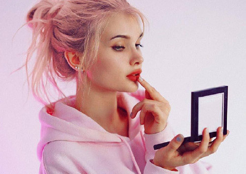 Как блогеры выбирают средства, с которыми делают макияж?
