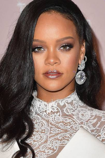 RiRi had too many massive makeup moments to count in 2018, but this one is iconic as it signifies the resurrection of the metallic lip.