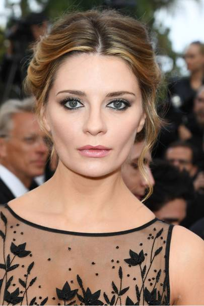 Mischa Barton was also looking flawless at Cannes 2016. Her rose-hued lipstick especially caught our eye!