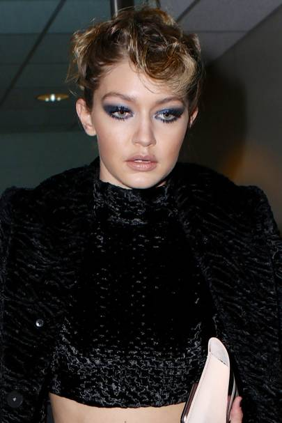 Jumping on the blue bandwagon, Gigi Hadid showed smoky eyes look great with a little colour.