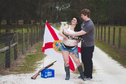 Florida woman&s pregnancy, photo shoot with baby alligator goes viral