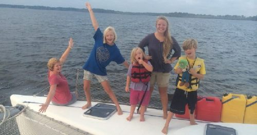 How a Family of 7 Lived, on a Boat For an Entire Year