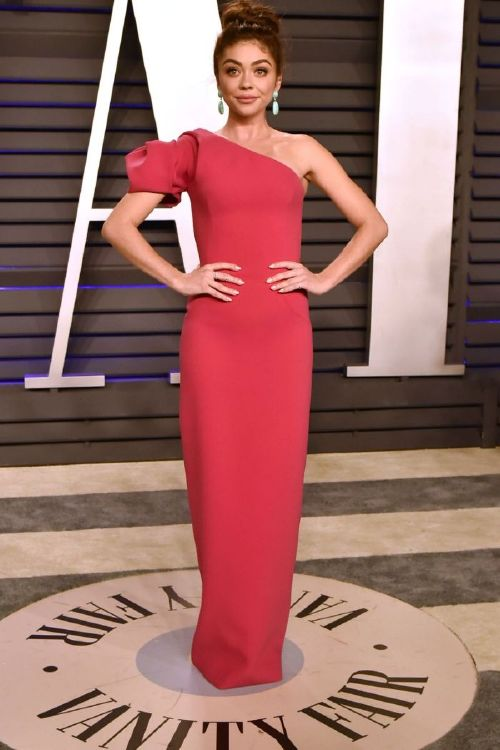 Sarah Hyland gets skinny shamed, after admitting, to wearing two pairs of Spanx