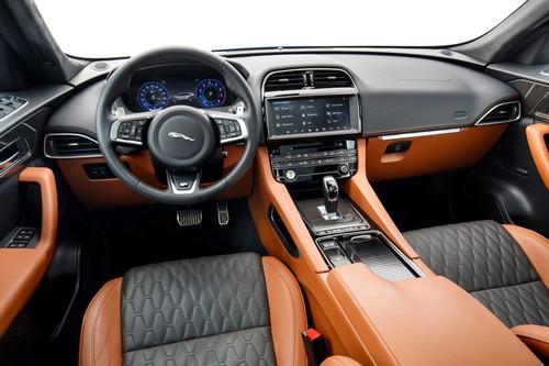 Jaguar F-PACE SVR (3)