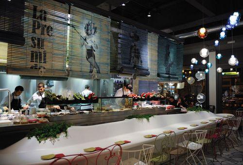 Tickets, the hot restaurant by world-renowned superstar chef Albert Adrià.