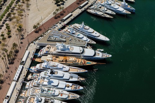 Barcelona's luxurious lifestyle, and warm weather, attract Europe's elite and their megayachts.
