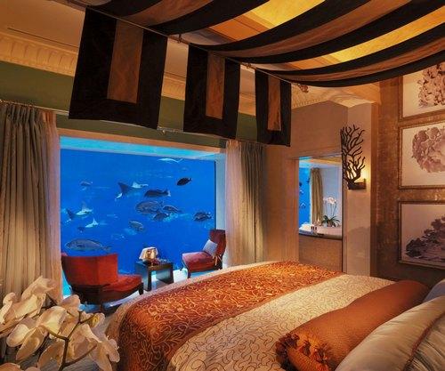 atlantisthepalm-underwatersuites-bedroom-2
