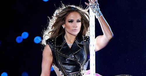 So *this* is how JLo got ready for last night's Super Bowl