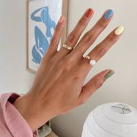 The idiot's guide to painting a salon-worthy mani yourself