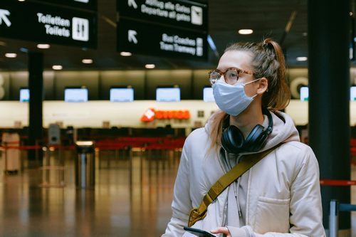 How to Avoid Fogging Up Your Glasses While Wearing a Face Mask