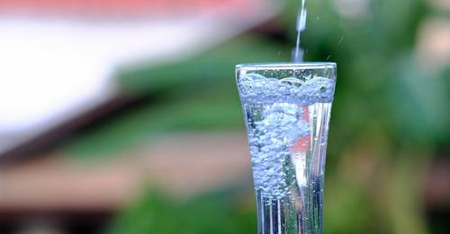 Is sparkling water bad for you? We asked the experts