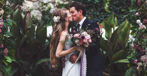 Brides-to-be to buy pre-loved wedding dresses, accessories and decor